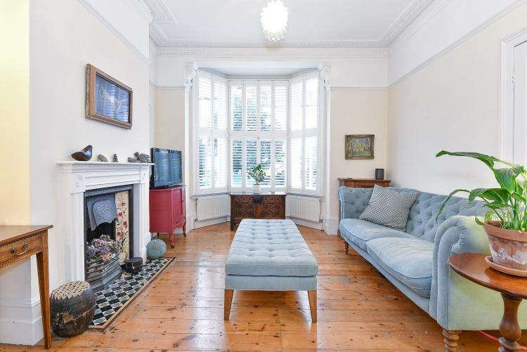 4 Bedrooms House for rent in Prospero Road London N19