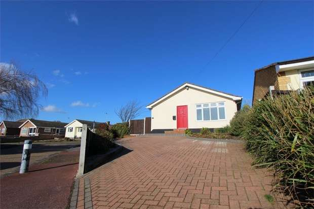 3 Bedrooms Detached Bungalow for sale in Anstey Close, Leigh-on-Sea, Essex