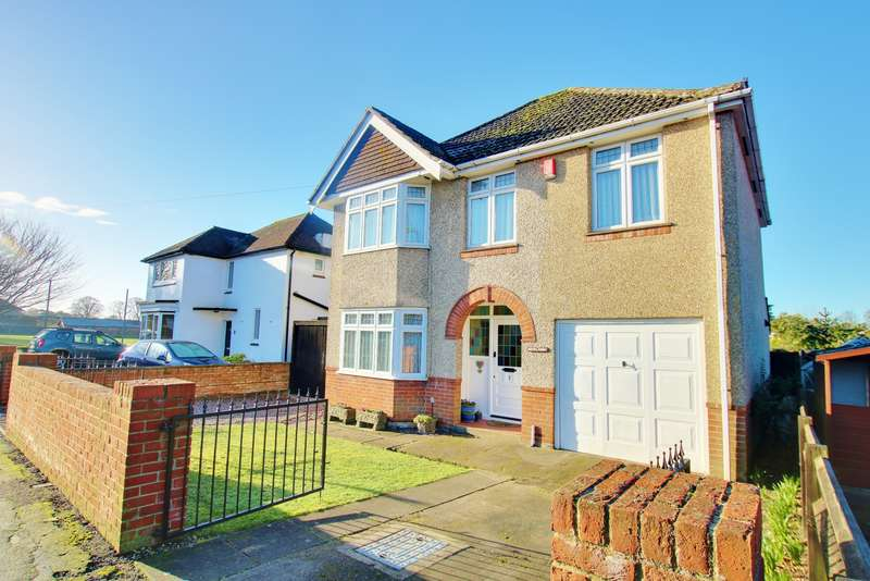 4 Bedrooms Detached House for sale in SOUGHT AFTER LOCATION! FOUR DOUBLE BEDROOMS! BEAUTIFUL GARDEN!