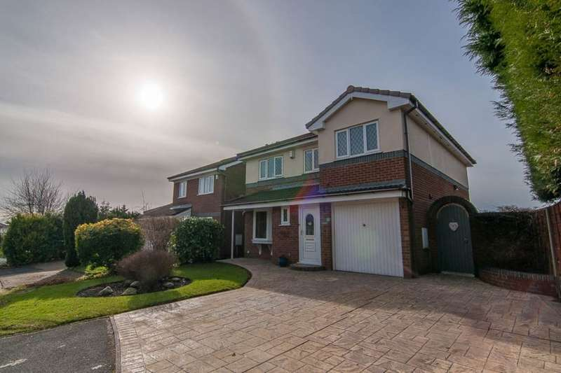 4 Bedrooms Detached House for sale in Strathmore Close, Ramsbottom, Bury, BL0