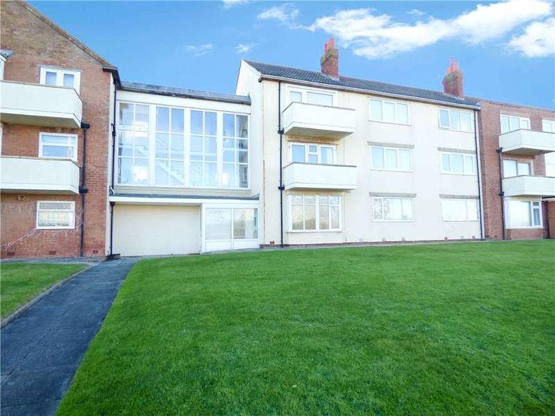 2 Bedrooms Apartment Flat for sale in Queen's Court, Queen's Promenade, Bispham