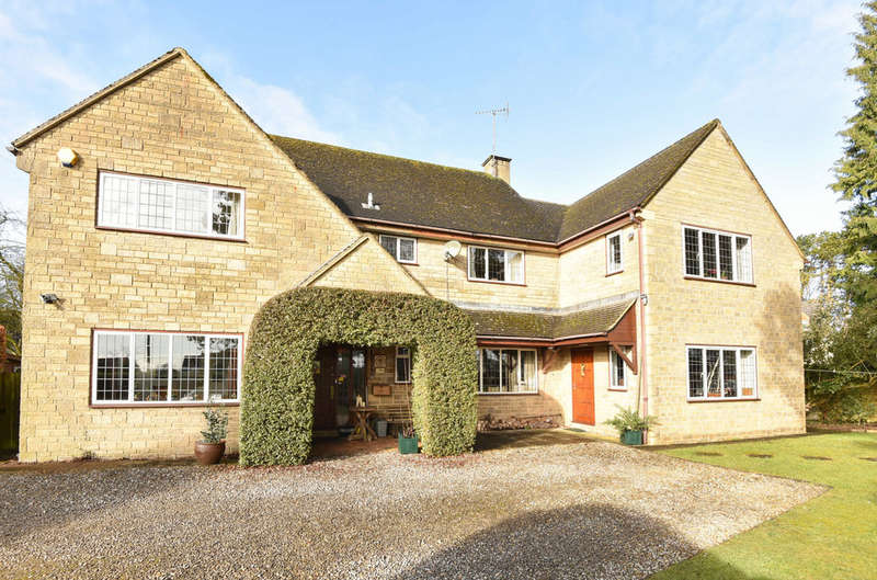 5 Bedrooms Detached House for sale in Roborough Common