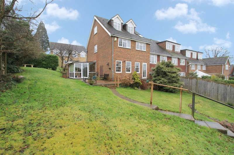 4 Bedrooms End Of Terrace House for sale in Wakehams Hill, Pinner