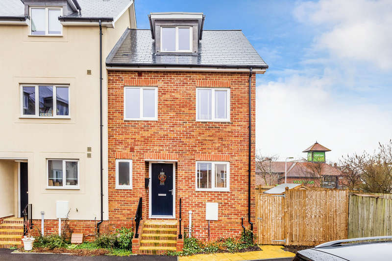 4 Bedrooms End Of Terrace House for sale in Tannery Place, Edenbridge,TN8