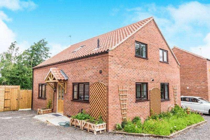 3 Bedrooms Detached House for sale in Alexander Way, Burgh le Marsh