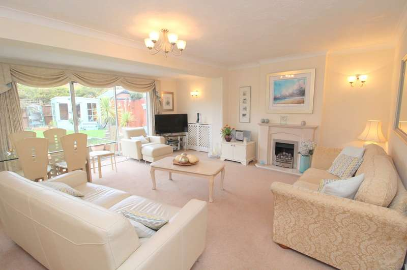 3 Bedrooms Detached House for sale in Chesterfield Road, Ashford, TW15