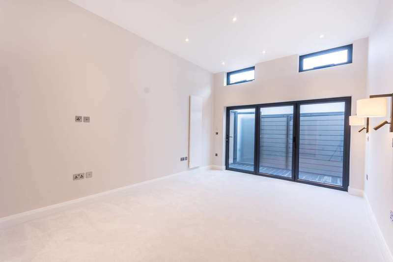Studio Flat for sale in Hornsey Road, Holloway, N7
