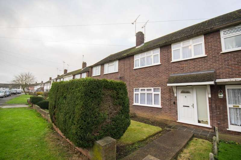 3 Bedrooms Terraced House for sale in Queenswood Avenue, Hutton, Brentwood, Essex, CM13