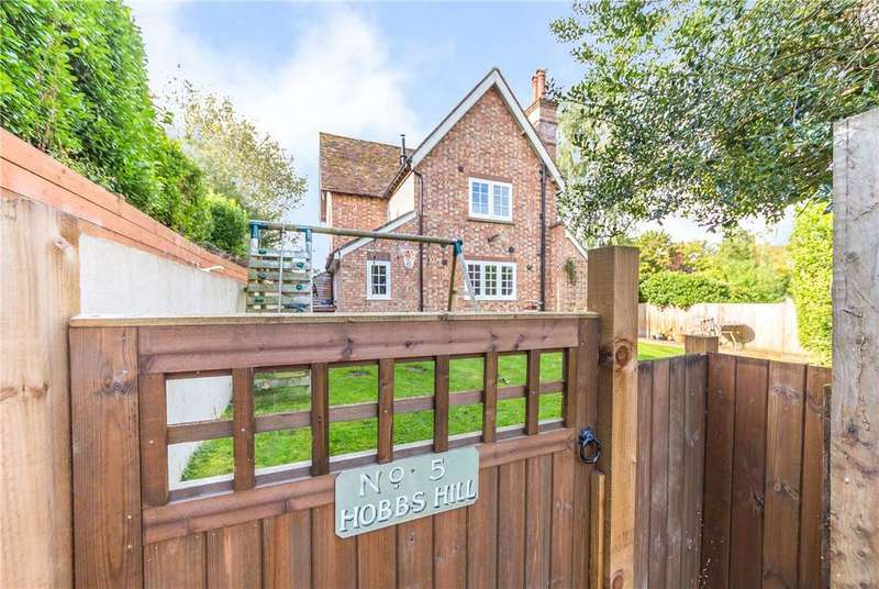 4 Bedrooms Detached House for sale in Hobbs Hill, Welwyn, Hertfordshire