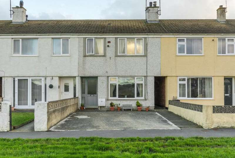 3 Bedrooms Detached House for sale in Lon Newydd, Holyhead, North Wales