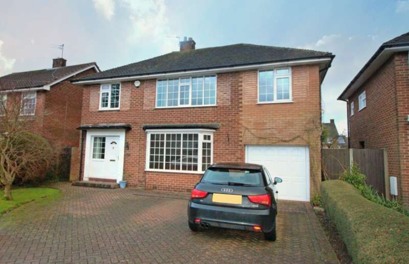 4 Bedrooms Detached House for sale in POYNTON ( CLIFFORD ROAD )