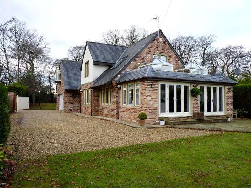 4 Bedrooms Detached House for sale in St. Winifreds Road, Harrogate
