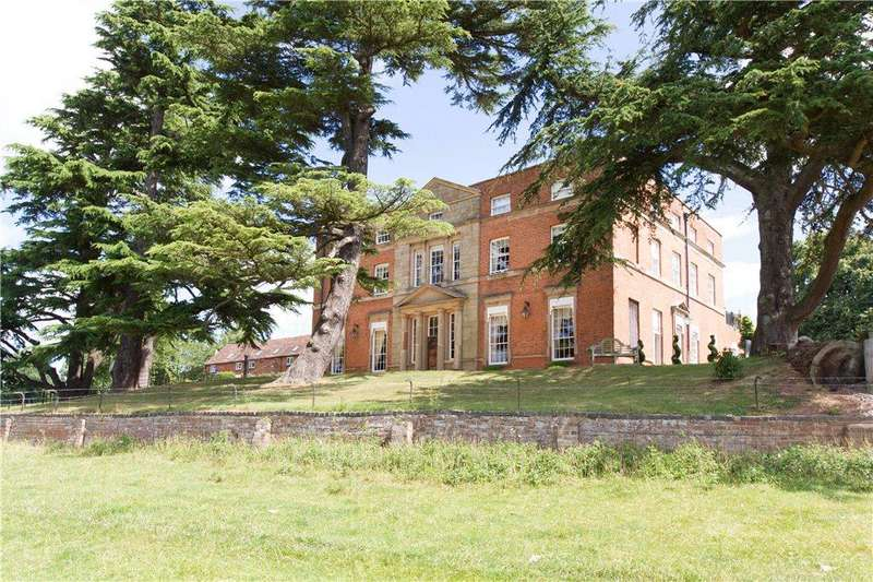 2 Bedrooms Apartment Flat for sale in Laugherne House, Martley, Worcester, Worcestershire, WR6