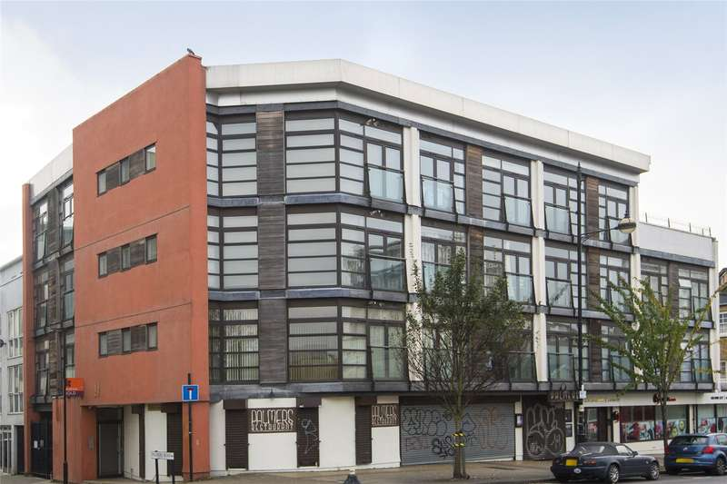 2 Bedrooms Flat for sale in Caesar Court, Palmers Road, London, E2