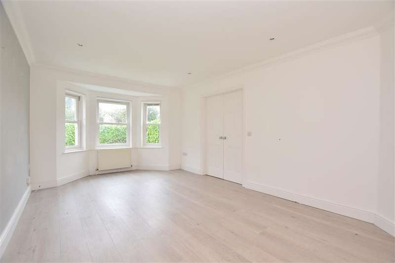 2 Bedrooms Semi Detached House for sale in Raglan Road, , Reigate, Surrey