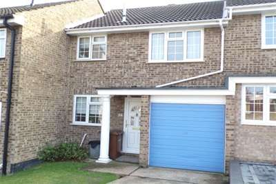 3 Bedrooms House for rent in Portsmouth Close, Strood