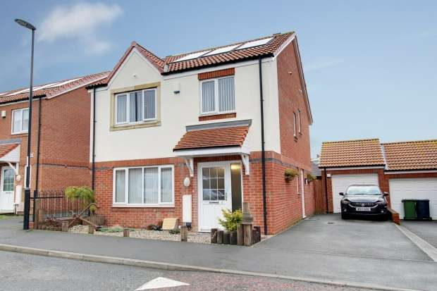 4 Bedrooms Detached House for sale in Westerwood, Sunderland, Tyne And Wear, SR3 2WD