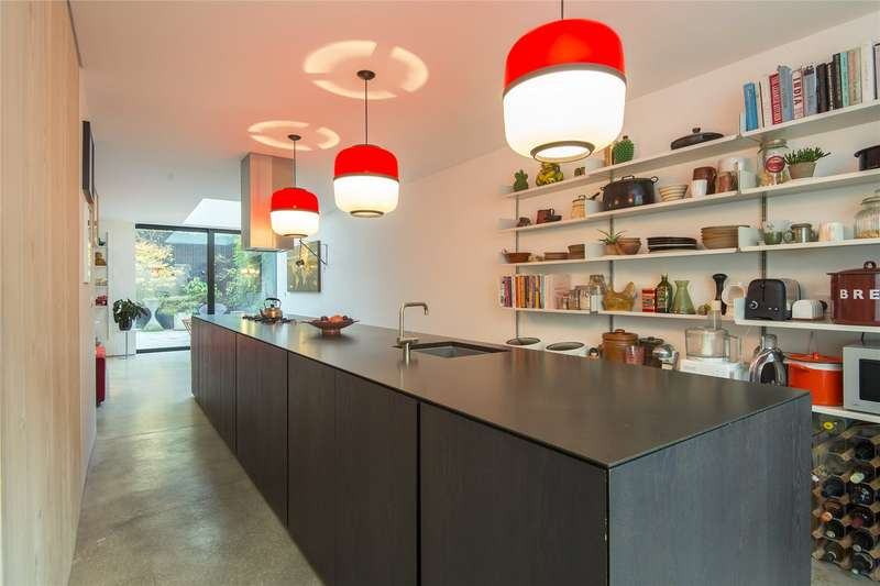 4 Bedrooms End Of Terrace House for sale in Killowen Road, London, E9