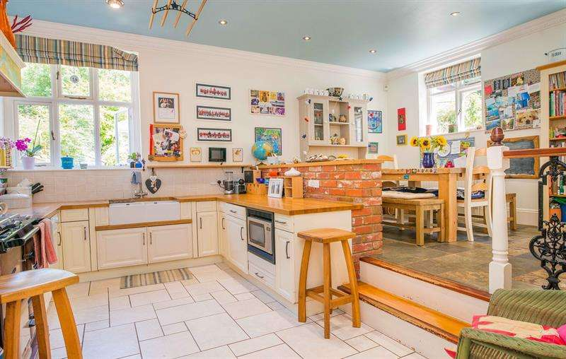 3 Bedrooms Property for sale in Hamble Cliff stables Hamble Southampton