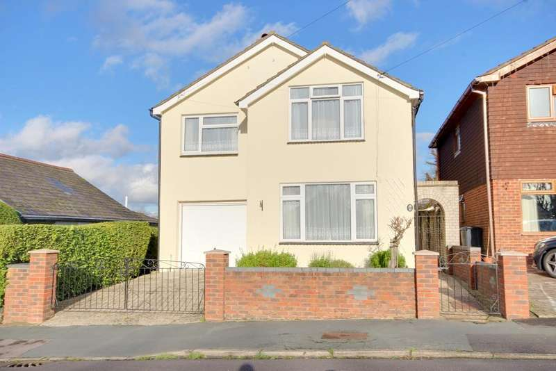 4 Bedrooms Detached House for sale in COWPLAIN