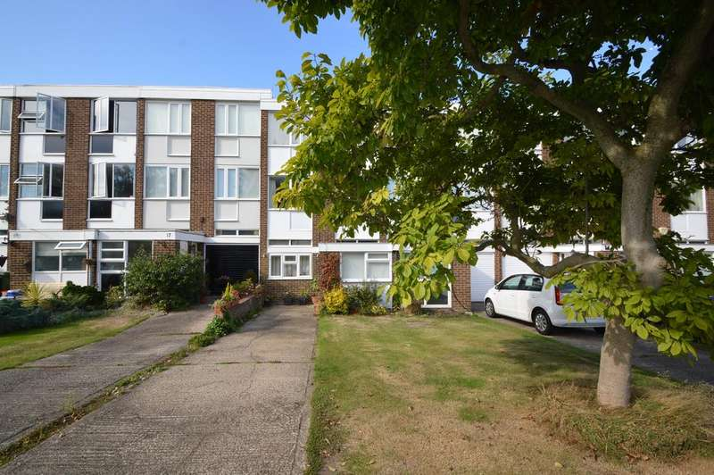 4 Bedrooms Town House for sale in Silver Tree Close, WALTON ON THAMES KT12