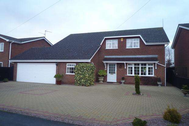 4 Bedrooms Detached House for sale in Bush Lane, Wisbech, PE13