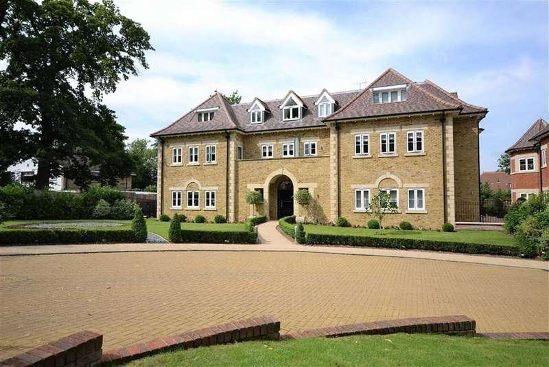 3 Bedrooms Apartment Flat for sale in Amara Lodge, Hadley Wood, Hertfordshire