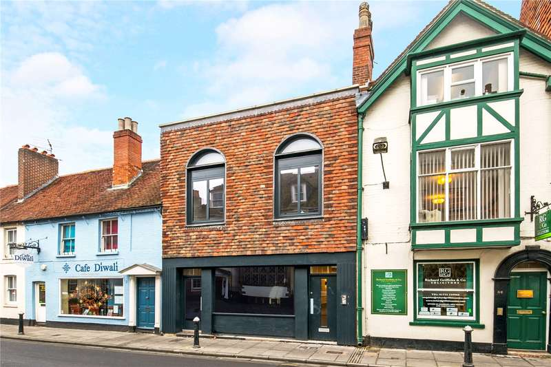 3 Bedrooms Flat for sale in Crane Street, Salisbury, Wiltshire, SP1
