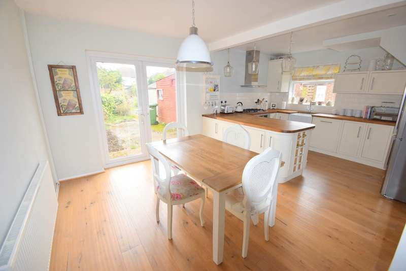 3 Bedrooms Semi Detached House for sale in Tilstone Close, Eton Wick, SL4