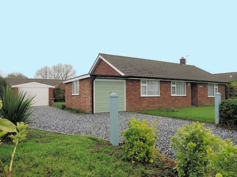3 Bedrooms Detached Bungalow for sale in Back Lane, Catfield, NR29
