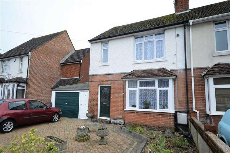 2 Bedrooms Semi Detached House for sale in Kingsnorth Road, Ashford, Kent