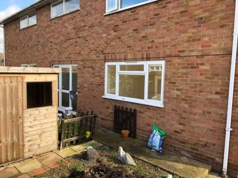 3 Bedrooms House for rent in Chesterfield Road, Ashford, TW15