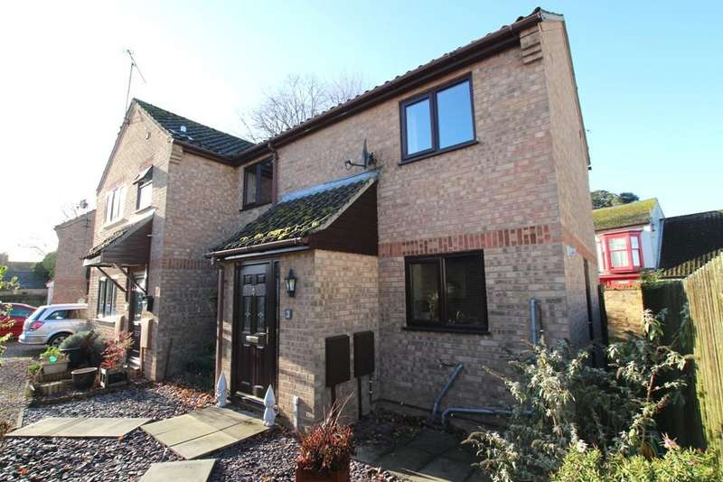 3 Bedrooms Semi Detached House for sale in Sycamore Place, Littleport