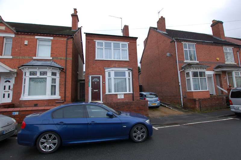 3 Bedrooms Detached House for sale in Valley Road, Lye, DY9 8JE