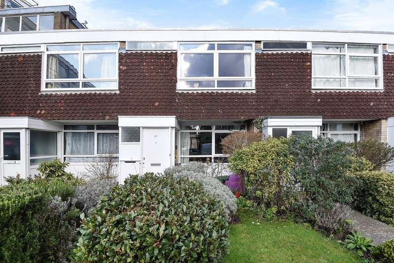 2 Bedrooms Terraced House for sale in Woking
