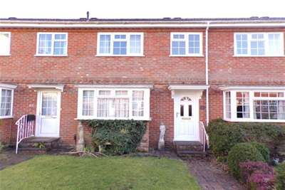 3 Bedrooms Town House for rent in Romsey
