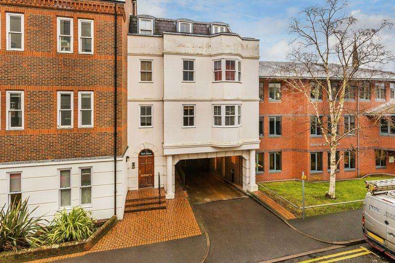 2 Bedrooms Apartment Flat for sale in Guildford Town Centre