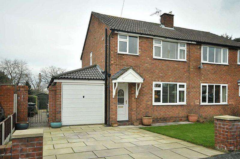 3 Bedrooms Semi Detached House for sale in Carlisle Close, Mobberley