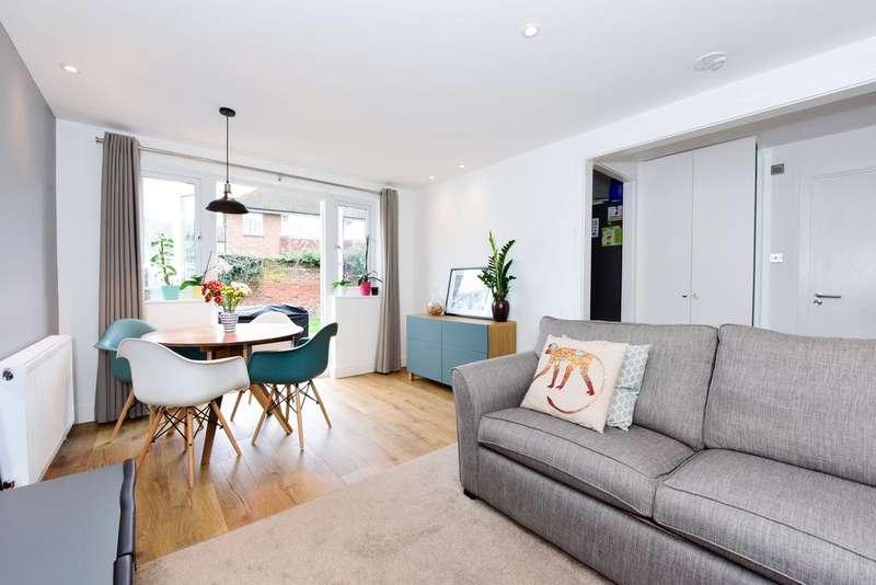 2 Bedrooms Apartment Flat for sale in Leavesden Road, Weybridge KT13