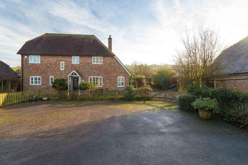 4 Bedrooms Detached House for sale in Duck Street, Elham, Canterbury, CT4
