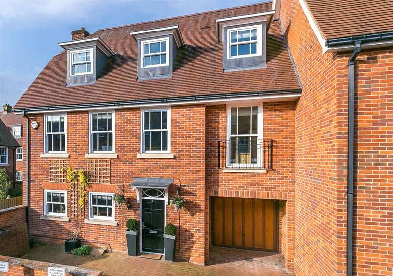 5 Bedrooms End Of Terrace House for sale in Miller Close, Redbourn, St. Albans, Hertfordshire