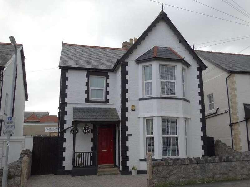4 Bedrooms Detached House for sale in 9 Llewelyn Road, Colwyn Bay, LL29 7AP