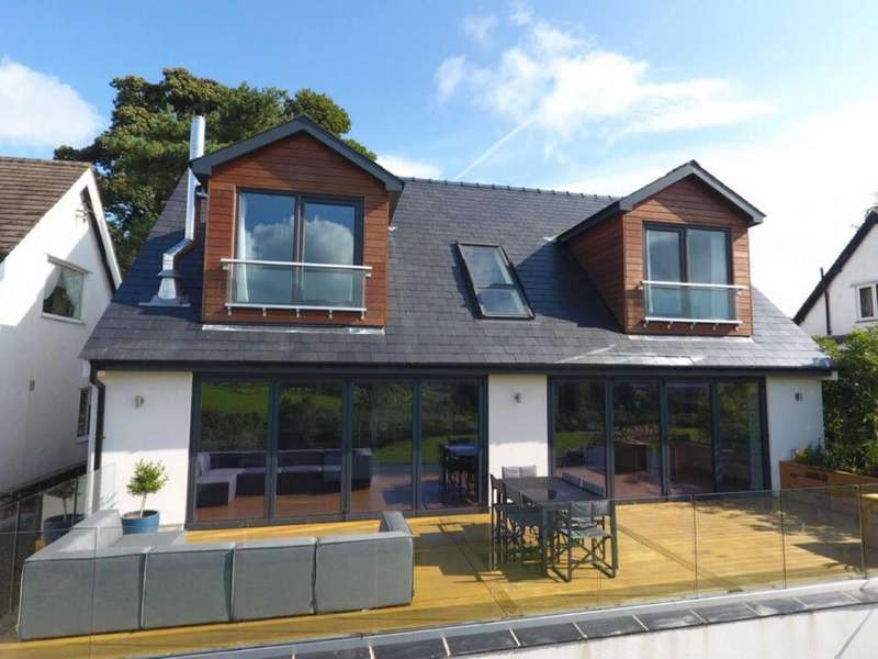 4 Bedrooms Detached House for sale in Green Lane, Grindleton, Clitheroe, Lancashire, BB7