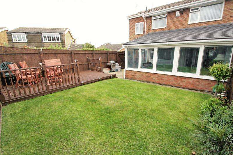 5 Bedrooms Semi Detached House for sale in Coombe Way, Hartburn, Stockton, TS18 5PX