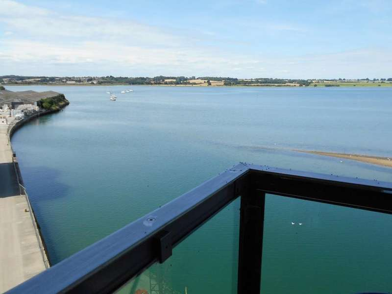 2 Bedrooms Apartment Flat for sale in One The Maltings, High Street, Mistley