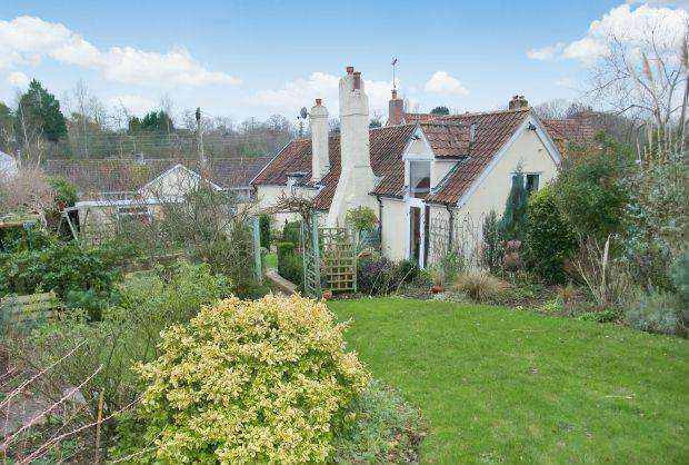 3 Bedrooms Cottage House for sale in Longmeadow Road, LYMPSTONE