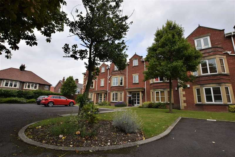 2 Bedrooms Apartment Flat for rent in The Elms, Whitegate Drive, Blackpool