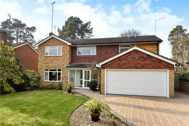 4 Bedrooms Detached House for sale in Robin Lane, Sandhurst, Berkshire