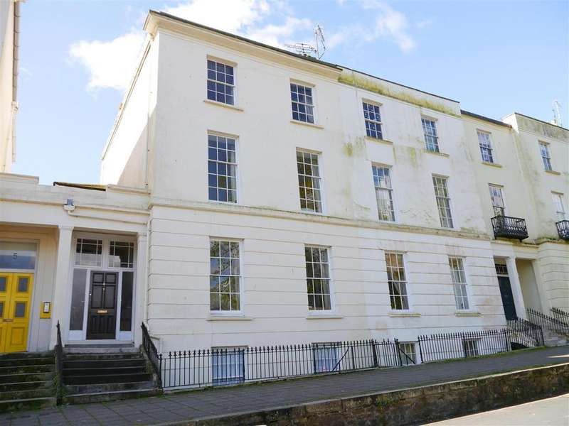 4 Bedrooms Terraced House for sale in Strangways Terrace, Truro