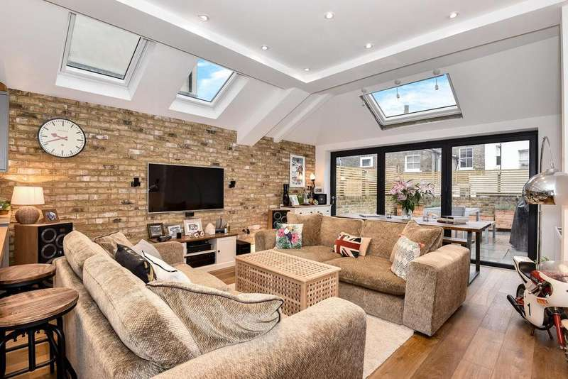 2 Bedrooms Flat for sale in Kemerton Road, Camberwell
